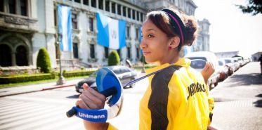 Allison Miller fencer     Photo Shannon S. Evans